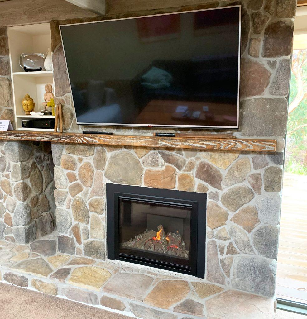 Escea DF700 gas log fire | Geelong | Torquay | Ocean Grove | Tomlinson Plumbing